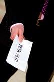 ge jobbchefmeddelande avslutning för rosa slip Royaltyfri Foto