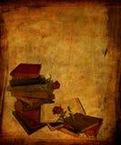 Gealterte Bücher und Rosen Lizenzfreie Stockfotos