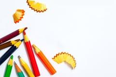 Gealterte Bleistifte und Schnitzel Stockbilder