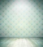Gealterter Raum mit Blumentapete Stockfotos