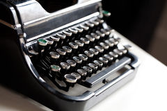 Gealterter Schreibmaschinenschlüssel Lizenzfreie Stockfotos