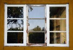 Gealtertes Fenster Stockbild