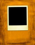 Gealtertes gelbes Polaroid (Ausschnittspfad eingeschlossen) Stockfotografie