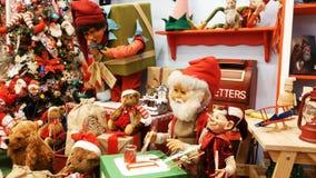 Geanimeerd de marionetten mechanisch van het Kerstmisspeelgoed stock videobeelden