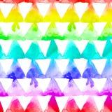 Geaometric-Verzierung des Regenbogens färbt Dreiecke auf weißem Hintergrund Nahtloses Muster des Aquarells Stockfoto