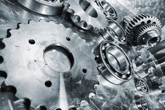 Free Gears, Cogs And Bearing Engineering Parts Royalty Free Stock Photo - 34131575