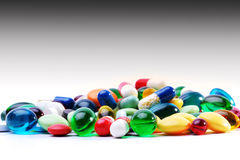 Geassorteerd farmaceutisch capsules en medicijn royalty-vrije stock fotografie
