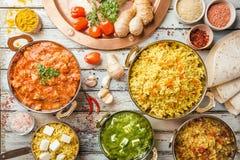 Geassorteerd Indisch voedsel royalty-vrije stock afbeeldingen