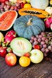 Geassorteerde en gemengde vruchten Stock Afbeelding