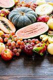 Geassorteerde en gemengde vruchten Royalty-vrije Stock Afbeeldingen