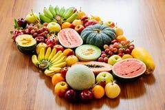 Geassorteerde en gemengde vruchten Stock Fotografie