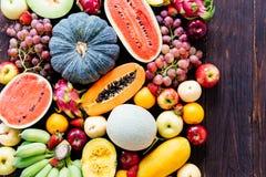 Geassorteerde en gemengde vruchten Stock Foto