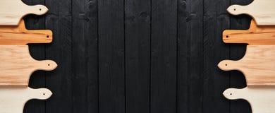 Geassorteerde hakborden op zwarte houten lijst banner royalty-vrije stock foto