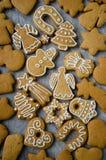 Geassorteerde Kerstmiskoekjes Stock Foto's