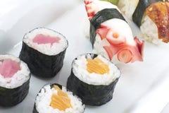 Geassorteerde sushischotel stock afbeelding