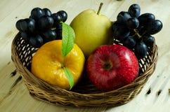 Geassorteerde vruchten Stock Afbeeldingen