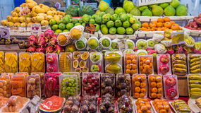 Geassorteerde vruchten voor verkoop Stock Foto