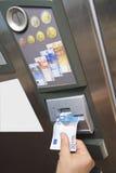 Geautomatiseerd betalend machine stock afbeeldingen
