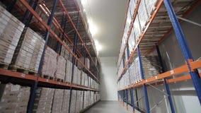Geautomatiseerde logistieksystemen in voorraadmening vanaf de bovenkant stock videobeelden