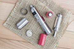 Geavanceerd vaping apparaat, e-Sigaret stock afbeeldingen