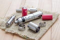Geavanceerd vaping apparaat, e-Sigaret stock foto