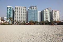 Gebäude in Abu Dhabi Lizenzfreies Stockfoto