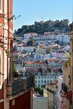 Gebäude achitecture in der alten Stadt von Lissabon Lizenzfreie Stockfotos