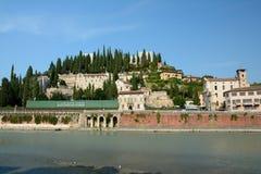 Gebäude in Adyga-Fluss in Verona, Italien Lizenzfreies Stockfoto