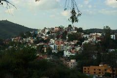 Gebäude auf Berg lizenzfreies stockbild