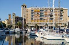 Gebäude auf dem alten Savona-Dock Stockfoto