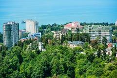 Gebäude auf der Küste von Sochi, Panoramasicht Stockbilder