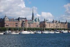Gebäude auf der Stockholm-Ufergegend Stockfoto