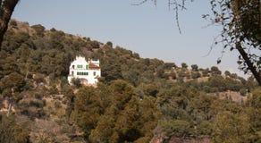 Gebäude auf einem Hügel Lizenzfreie Stockbilder