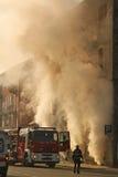 Gebäude auf Feuer Stockfoto