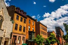 Gebäude auf Kathedralen-Straße in Baltimore, Maryland Stockbild
