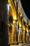 Gebäude auf Republik-Quadrat nachts Bis 2016 dieses errichtende h Stockfotos