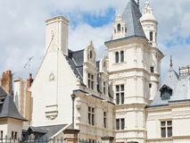 Gebäude auf Straße Rue de L'Espine verärgert herein lizenzfreie stockbilder
