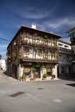 Gebäude am Candeleda-Dorf Stockbilder