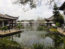 Gebäude der chinesischen Art in der Universität Lizenzfreie Stockfotografie