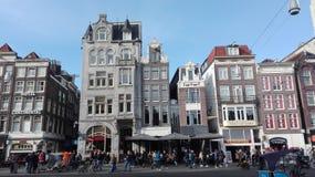 Gebäude der Hauptstraßen von Amsterdam lizenzfreies stockfoto