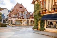 Gebäude in der Mitte von Deauville-Stadt, Frankreich lizenzfreie stockfotografie