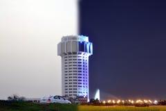 Gebäude der Nacht und des Tages stockfotografie