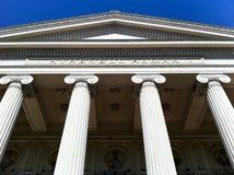 Gebäude der römischen Art Stockfotos