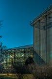 Gebäude des Staatseigentums botanischen Gartens St Petersburg mit szenischem Himmel Lizenzfreie Stockfotografie