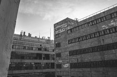 Gebäude des verlassenen Industriegebiets Stockbild
