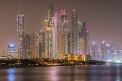 Gebäude durch das Meer Lizenzfreies Stockbild