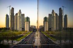 Gebäude in einer Stadt Stockfotos