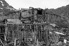Gebäude einmal benutzt für das Bergbau auseinander fallen stockfoto