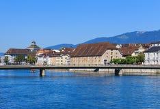 Gebäude entlang dem Aare-Fluss in Solothurn, die Schweiz Stockfotografie