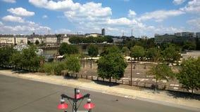 Gebäude gesehen von der Insel von Nantes lizenzfreie stockfotografie
